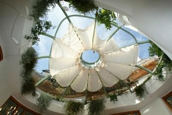 Gordijnrails op maat, zoals een wintertuinsysteem